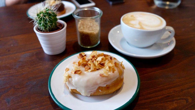 berlin-cafe-brammibals-donuts-cappuccino-donut-1
