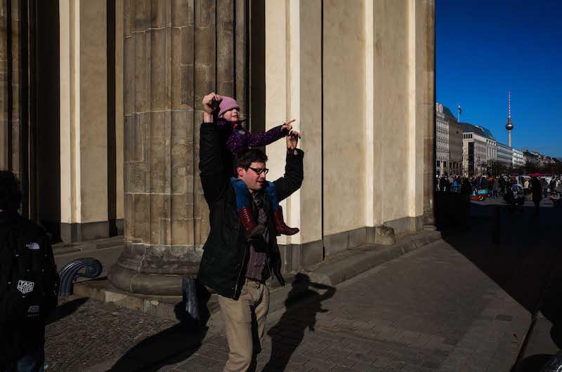 berlin-street-photography-brandenburger-tor-1
