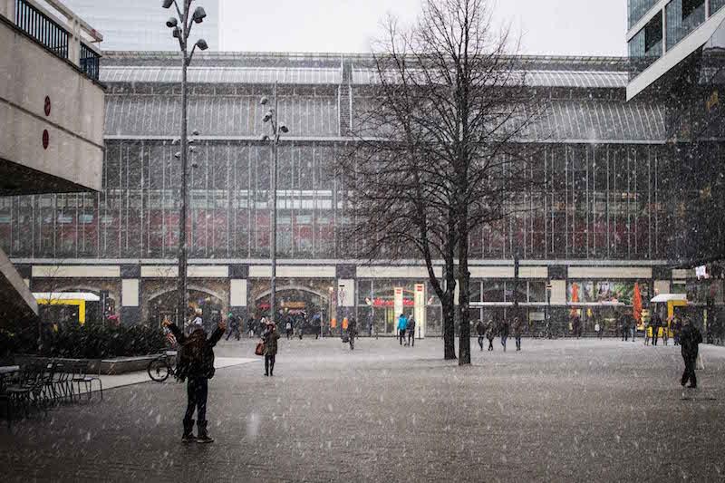 berlin-street-photography-karte-alexanderplatz