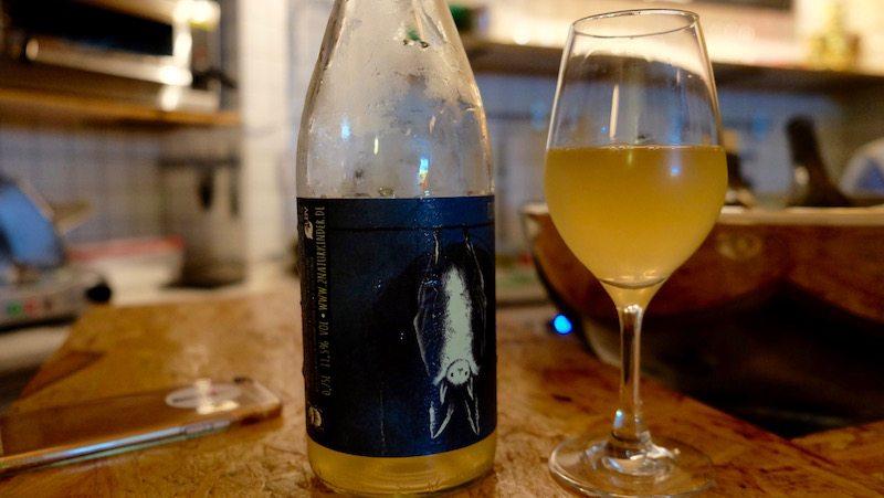 berlin-weinbar-jaja-naked-wine-natural-white-wine