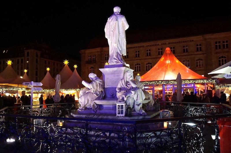 berlin-gendarmenmarkt-weinachtsmarkt-weihnachtszauber-2016-2