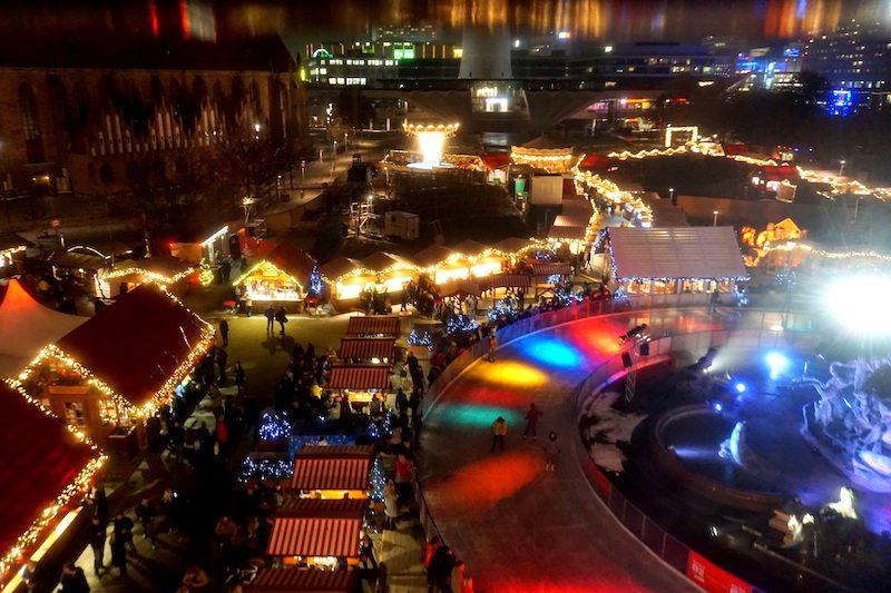 berlin-weihnachtsmarkt-2016-rotes-rathaus-blick-aus-riesenrad