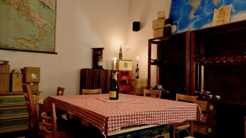 berlin-weinbar-italiener-facciola-einrichtung-2