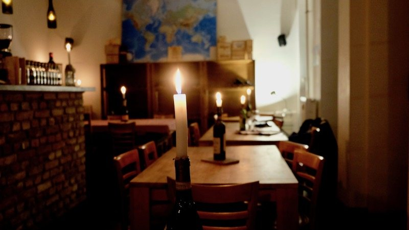 berlin-weinbar-italiener-facciola-einrichtung-5