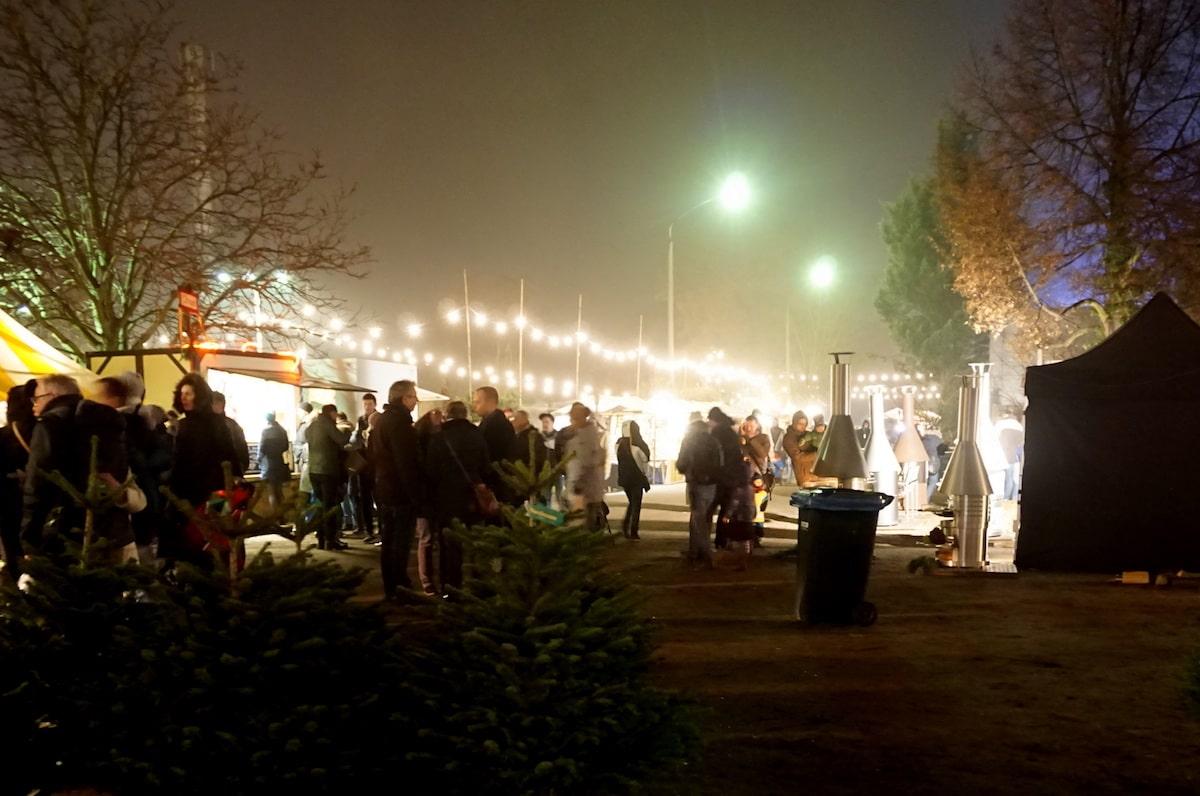 berlin weihnachtsmarkt baumschule