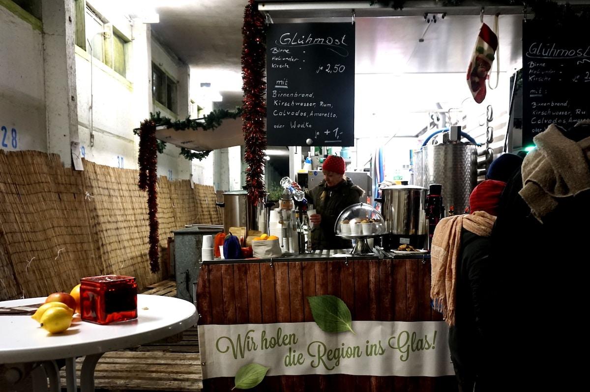 berlin-weihnachtsmarkt-spaethsche-baumschulen-gela%cc%88nde-4