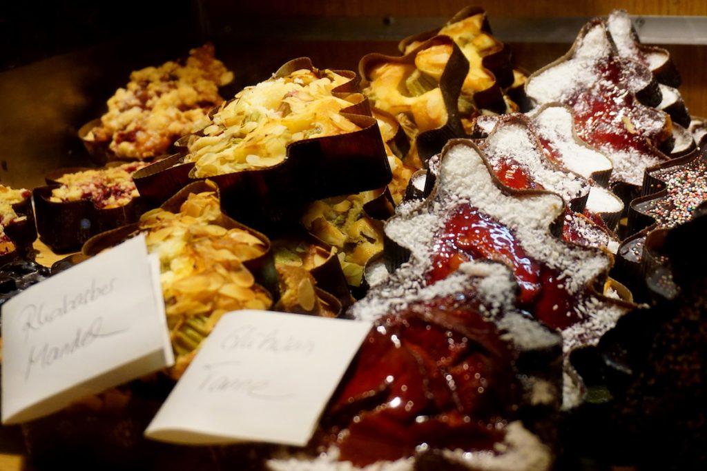 berlin-weihnachtsmarkt-spaethsche-baumschulen-kuchen