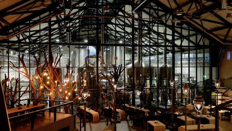 berlin-restaurants-stone-brewing-world-bistro-garden-5