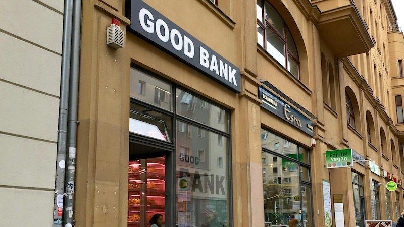 good bank in berlin mitte berlin ick liebe dir. Black Bedroom Furniture Sets. Home Design Ideas