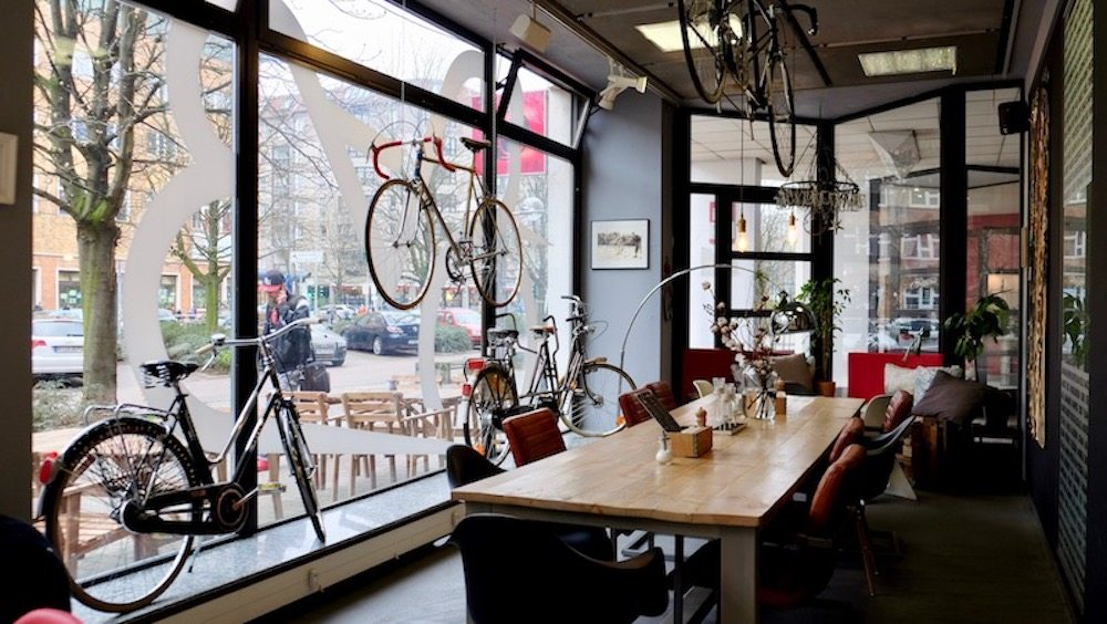 steel vintage bikes caf in berlin mitte berlin ick liebe dir. Black Bedroom Furniture Sets. Home Design Ideas