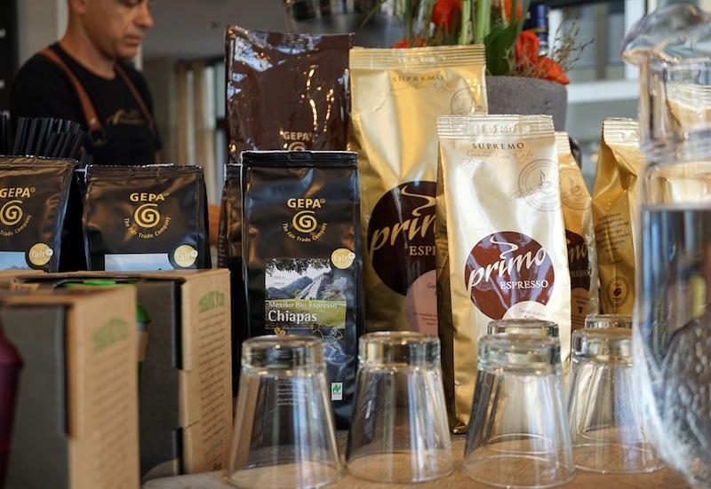 Fair Trade und Bio-Kaffee in der Primo Cafebar in Berlin Mitte