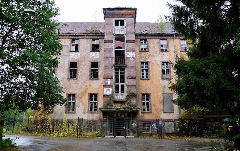 Lost Places: Das Chirurgie-Krankenhaus in Beelitz Heilstätten