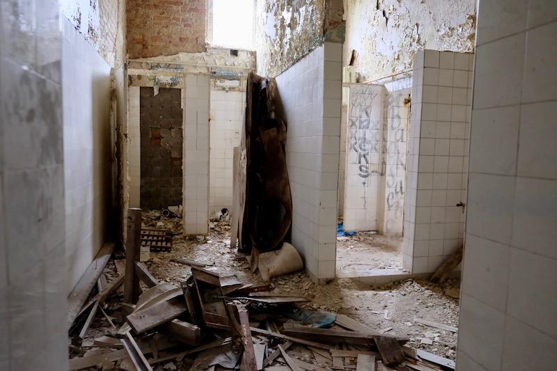 Lost Places: Räume im Chirurgie-Krankenhaus in Beelitz Heilstätten