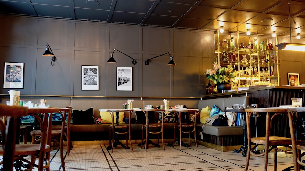 die brasserie colette von tim raue in sch neberg berlin. Black Bedroom Furniture Sets. Home Design Ideas