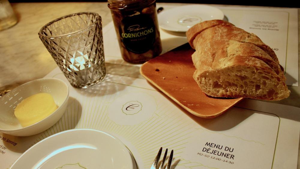 Brot und Butter in der Brasserie Colette von Tim Raue