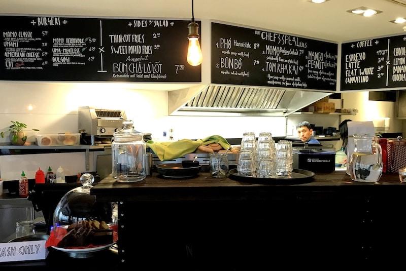 Frische asiatische Küche im Momotaro Tavern am Alex | BERLIN ICK ...