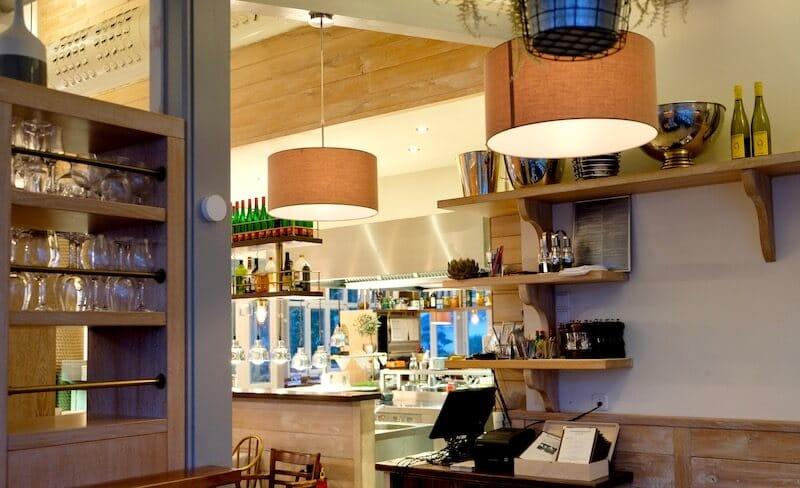 Atmosphäre im Hafenrestaurant Ernest am Schwielowsee
