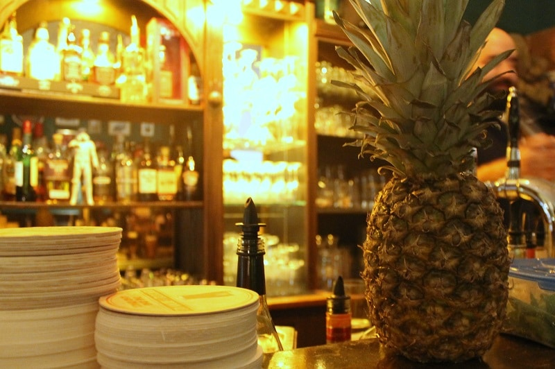 Ananas, Theke, MacLaren's Pub