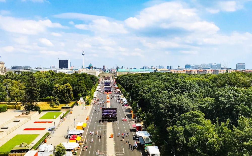 So langsam füllt sich Fanmeile am Brandenburger Tor zum ersten Spiel der Deutschen Nationalmannschaft
