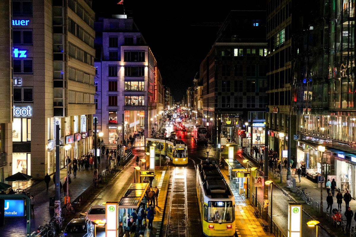 Friedrichstraße – Shopping, Fine Dining und Historisches
