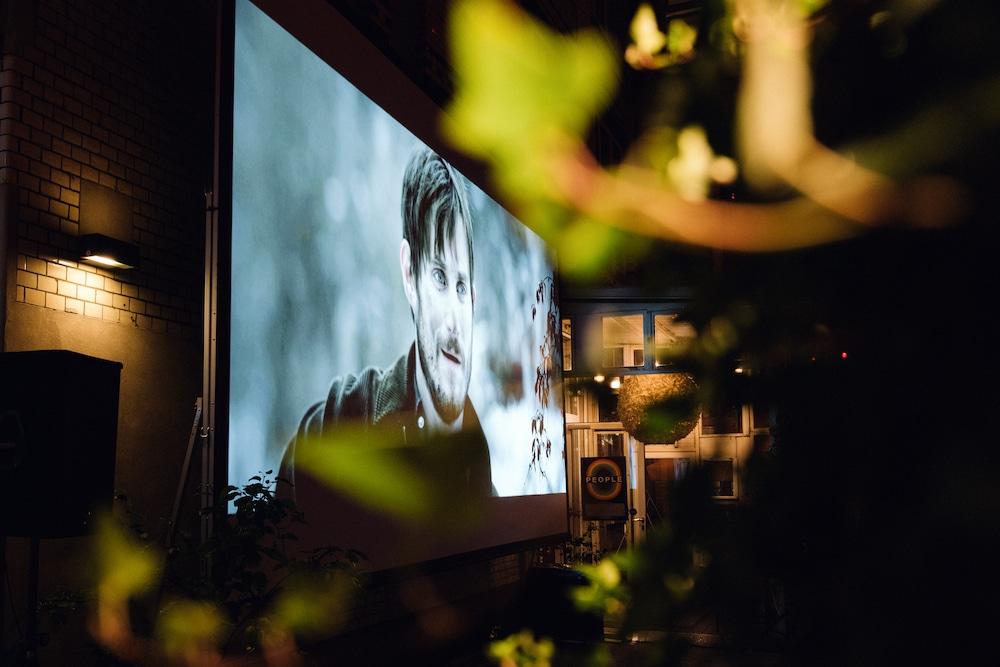 behind the tree: Der Streamingdienst bringt euch Indie-Filme nach Hause