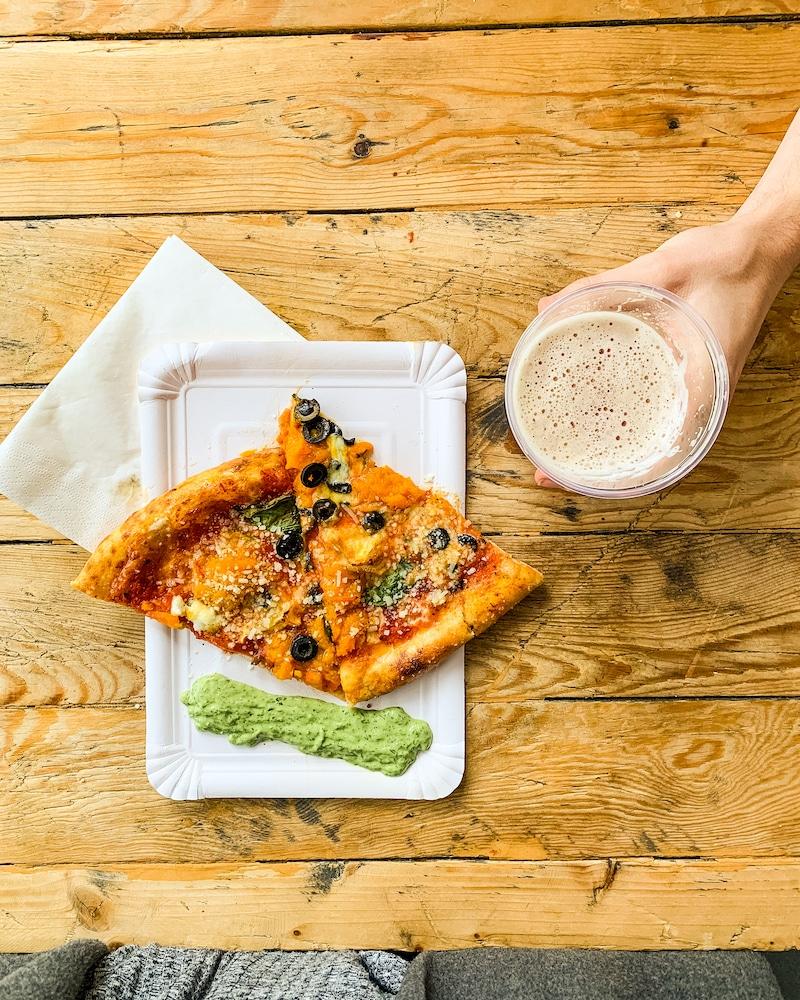 New-York-Style Pizza im Salami Social Club